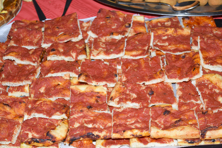 traditinal: traditinal  Italian appetizers:red pizzas