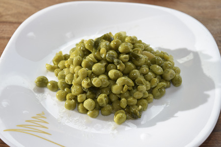 traditinal  Italian food:stewed peas with onions