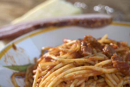 underbelly: gustosa specialit� italiana: gli spaghetti all'amatriciana o spaghetti con salsa di pomodoro con pancetta