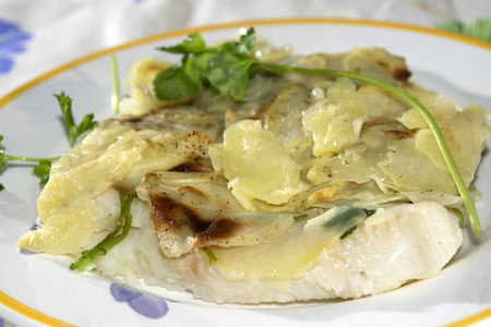 plaice: second dish of fish: fillet of plaice in potatoes crust