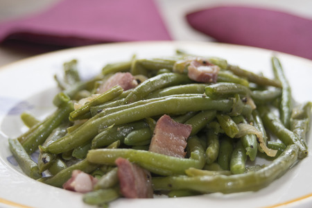 fried green beans with bacon and pecorino