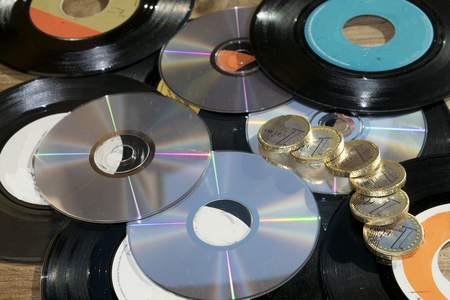 dvd rom: old and newVinyl records and cd rom