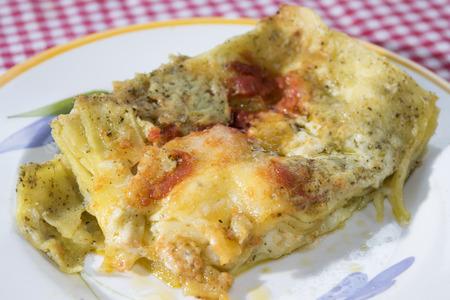 lasagne al pesto genovese di basilico con pomodorini