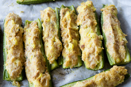 padding: fresh zucchini stuffed with a filling of tuna and crumb cream