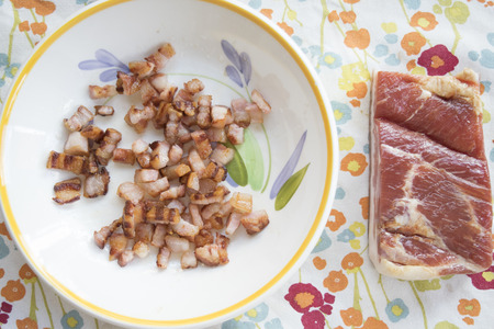 browned: browned chopped bacon served at breakfast