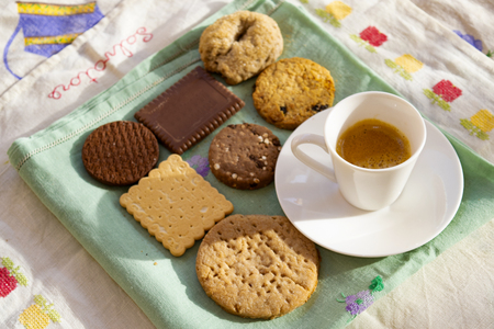 espresso coffee and variety of cookies at breakfast in Italy Standard-Bild - 115910801
