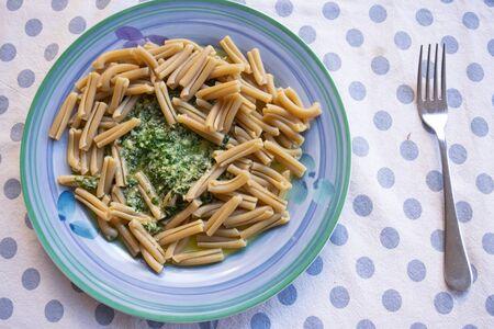 wholemeal pasta with basil pesto Archivio Fotografico