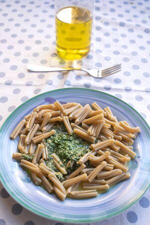 wholemeal pasta with basil pesto