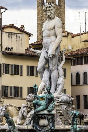 neptun: Neptune fountain in the square of the Signoria in Florence