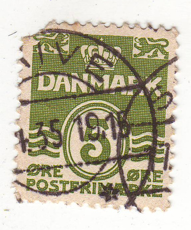 repayment: the image of a crown on a green stamp, worth 5, repayment in 1915
