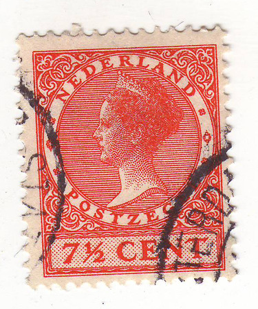 damping: the image of a female portrait with crown on head in profile, bas-relief, on red stamp, price of 7.5 cents, with double damping
