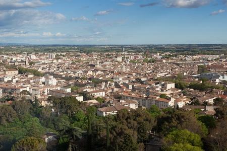 Hermosa vista a�rea de la ciudad de Nimes en Francia Foto de archivo - 13216956