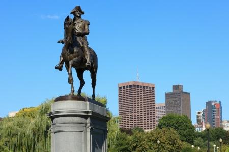 george washington statue: George Washington statue in Common Park  in Boston Massachusetts