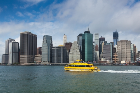 taxi famous building: View of lower Manhattan in New York - USA Stock Photo