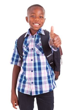 ni�os latinos: Africano ni�o de la escuela americana de los pulgares para arriba, aislado en fondo blanco - negros