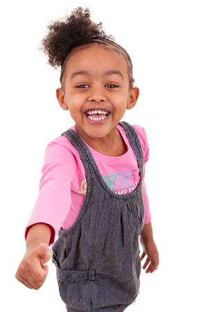 black girl: Portrait eines afroamerikanischen Mädchen machen Thumbs up, über weißem Hintergrund - Schwarze Menschen