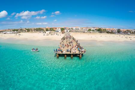 pesca: Vista a�rea de la playa de Santa Mar�a en Sal Cabo Verde - Cabo Verde Foto de archivo