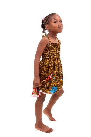 mignonne petite fille: Petite fille afro-américaine isolé sur fond blanc Banque d'images