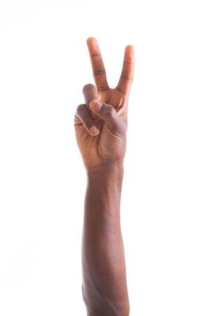 dedos de la mano: África toma la mano americana gesto de paz - los negros