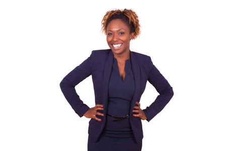 自信を持っているアフリカ系アメリカ人ビジネスの女性は、白い背景で隔離