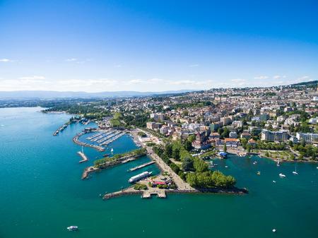 Vue aérienne du front de mer Ouchy à Lausanne, Suisse Banque d'images - 63913725
