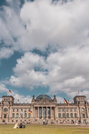 Reichstag building (german government) against big cloudy sky, in Berlin, Germany Banque d'images - 106131249