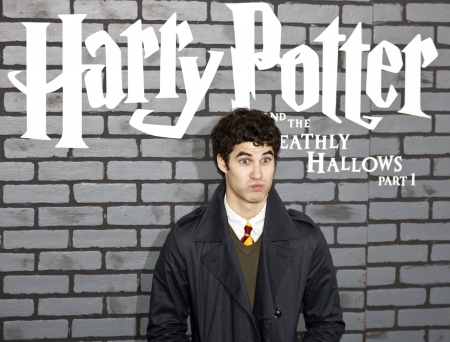 criss: NEW YORK - NOVEMBER 15:  Actor Darren Criss attends the premiere of Harry Potter and the Deathly Hallows - Part 1 at Alice Tully Hall on November 15, 2010 in New York City.