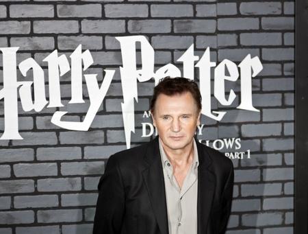NEW YORK - 15. NOVEMBER: Schauspieler Liam Neeson beachtet die Premiere von Harry Potter und die Heiligtümer des Todes - Teil 1 in der Alice Tully Hall am November 15, 2009 in New York City.