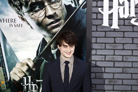 NEW YORK - 15. NOVEMBER: Schauspieler Daniel Radcliffe beachtet die Premiere von Harry Potter und die Heiligtümer des Todes - Teil 1 in der Alice Tully Hall am November 15, 2009 in New York City.  Editorial