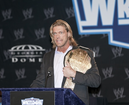the heavyweight: NEW YORK, NY - MARCH 30: Word Heavyweight Champion Edge attends the WrestleMania XXVII press conference at Hard Rock Cafe New York on March 30, 2011 in New York City. Editorial