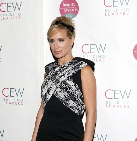 NEW YORK, NY - MAY 20: Sonja Morgan beachtet die 2011 kosmetische Executive Frauen Beauty Awards The Waldorf = Astoria am 20. Mai 2011 in New York City.