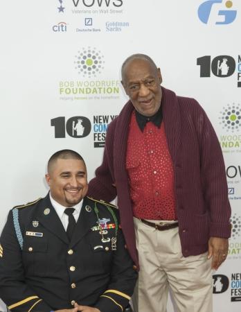 NEW YORK, NY - 6. November Sergeant Shane Parsons und Bill Cosby LR Teilnahme an der 7. jährlichen