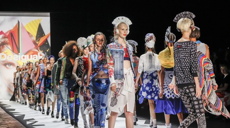 New York, NY, USA - September 10, 2015: Models walk the runway at the Desigual runway show during of Spring 2016 New York Fashion Week at The Arc, Skylight at Moynihan Station, Manhattan.  #CFDANYFW, #NYFW, Zdjęcie Seryjne - 45211759