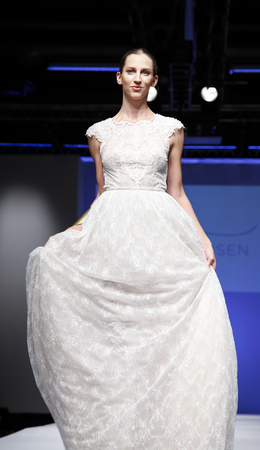 New York, NY, USA - October 11, 2015: A model walks runway for Israel Bridal couturier Limor Rosen 2016 Bridal Collection during New York International Bridal Week at the Fashion Theater, Pier 94, Manhattan 新闻类图片