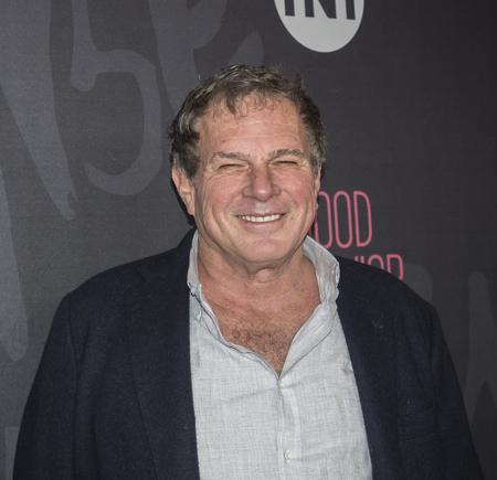 New York, NY, USA - 14. November 2016: Executive Producer Marty Adelstein nimmt an gutes Benehmen Premiere Event im Roxy Hotel, Manhattan TNT