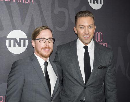 New York, NY, USA - 14. November 2016: Ausführende Produzenten Blake Crouch (L) und Chad Hodge TNT Good Behavior Premiere Event im Roxy Hotel, Manhattan besuchen