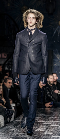 New York, NY, USA - February 2, 2017: A model walks runway for John Varvatos FW17 runway show during NY Fashion Week: Men's at Paramaunt Hotel, Manhattan Zdjęcie Seryjne - 71007420