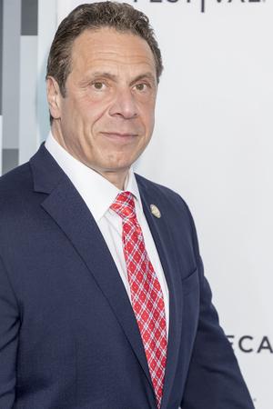 Nova York, NY, EUA - 19 de abril de 2017: Governador de Nova Iorque ANDREW M. CUOMO participa do 2017 Tribeca Film Festival - 'Clive Davis: a trilha sonora de nossa vida' estréia mundial - noite de abertura no Radio City Music Hall