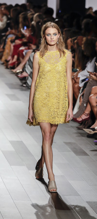 New York, NY, USA - September 7, 2017: A model walks runway for the Tadashi Shoji SpringSummer 2018 runway show during New York Fashion Week at Skylight Clarkson Sq., Manhattan Sajtókép
