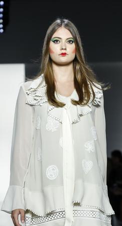 New York, NY, USA - September 11, 2018: A model walks runway to present Dan Liu Spring/Summer 2019 collection during New York Fashion Week at Spring Studios, Manhattan 報道画像