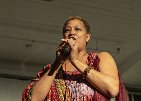 New York, NY - October 13, 2018: Lisa Fischer performs at Loft Party A Night for the Soul for Jazz Foundation of America at Hudson Studios, Manhattan 에디토리얼