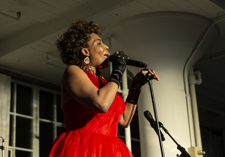 New York, NY - October 13, 2018: Macy Gray performs at Loft Party A Night for the Soul for Jazz Foundation of America at Hudson Studios, Manhattan 에디토리얼