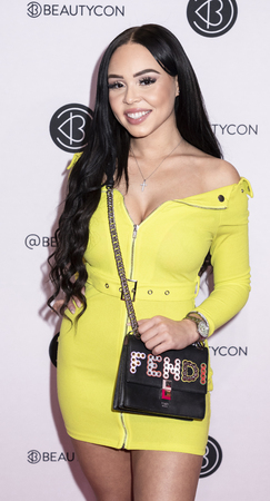 New York, NY, USA - April 6, 2019: Karina Seabrook attends Beautycon Festival NYC 2019 at Jacob K. Javits Convention Center, Manhattan Фото со стока - 120753717