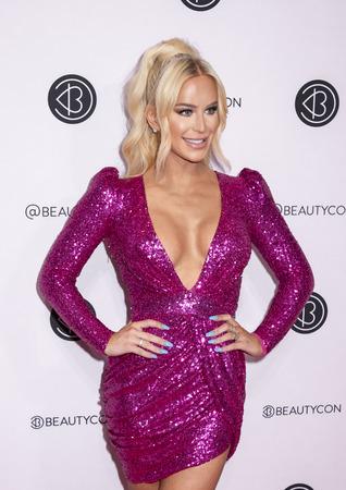 New York, NY, USA - April 6, 2019: Gigi Gorgeous attends Beautycon Festival NYC 2019 at Jacob K. Javits Convention Center, Manhattan Фото со стока - 120753722