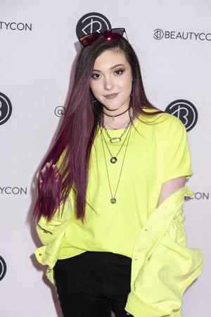 New York, NY, USA - April 6, 2019: Taylor Felt attends Beautycon Festival NYC 2019 at Jacob K. Javits Convention Center, Manhattan Редакционное