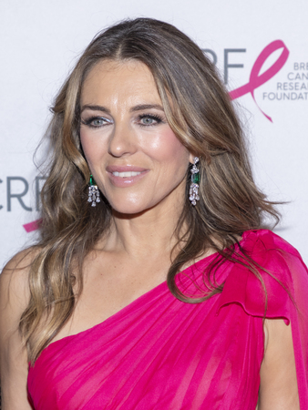 New York, NY, USA - May 15, 2019: Elizabeth Hurley attends the Breast Cancer Research Foundation 2019 Hot Pink Party at Park Avenue Armory, Manhattan Archivio Fotografico - 123883101