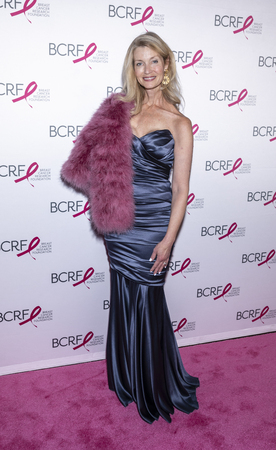 New York, NY, USA - May 15, 2019: Simone Winston attends the Breast Cancer Research Foundation 2019 Hot Pink Party at Park Avenue Armory, Manhattan Archivio Fotografico - 123883138