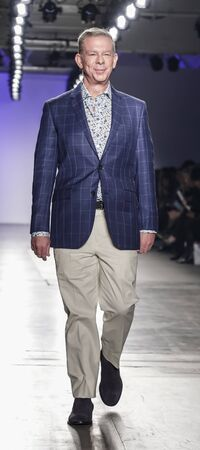 New York, NY, USA - February 5, 2020: Elvis Duran walks Blue Jacket runway in support of mens health and prostate cancer awareness at Pier 59 Studios , Manhattan Publikacyjne