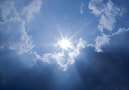 Blue Sky Sun Clouds Standard-Bild