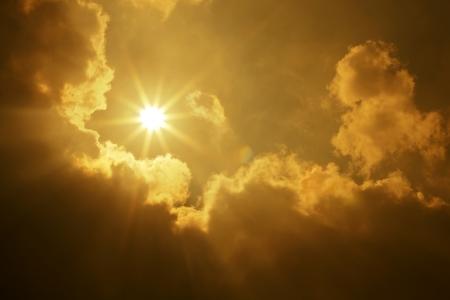 almighty: Cielo Sole Nuvole